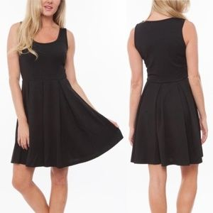 5/$25 White Mark Black Pleated Fit & Flare Dress